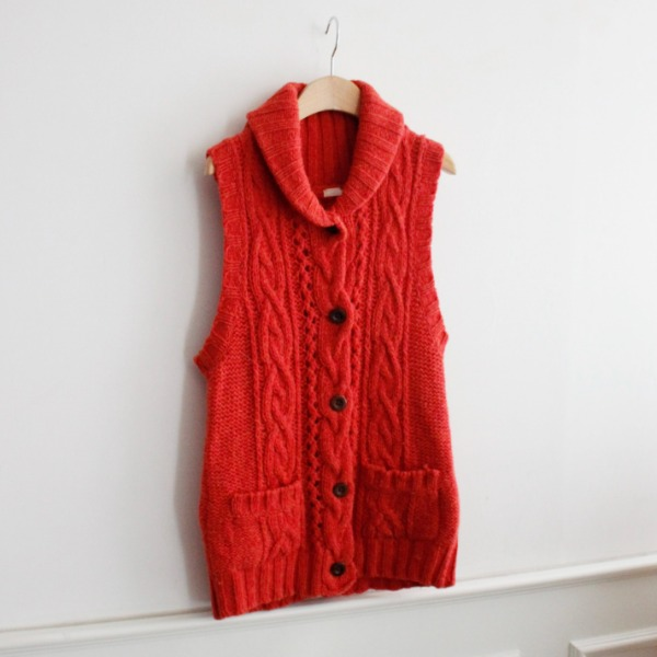 STUDIO CLIP _ 100% WOOL KNIT VEST